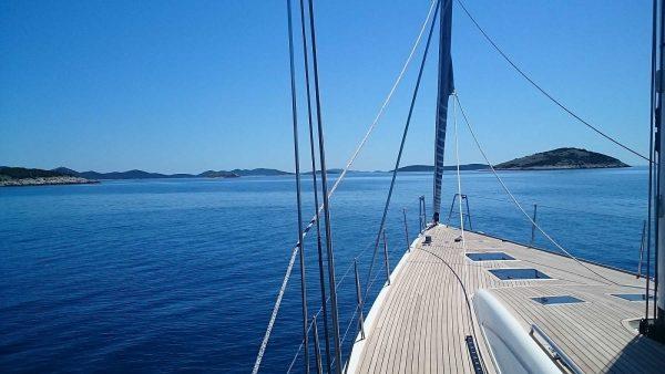 Yacht maintenance and repair